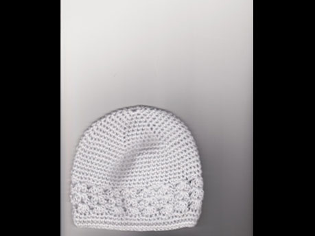 Crochet cap with shell insert