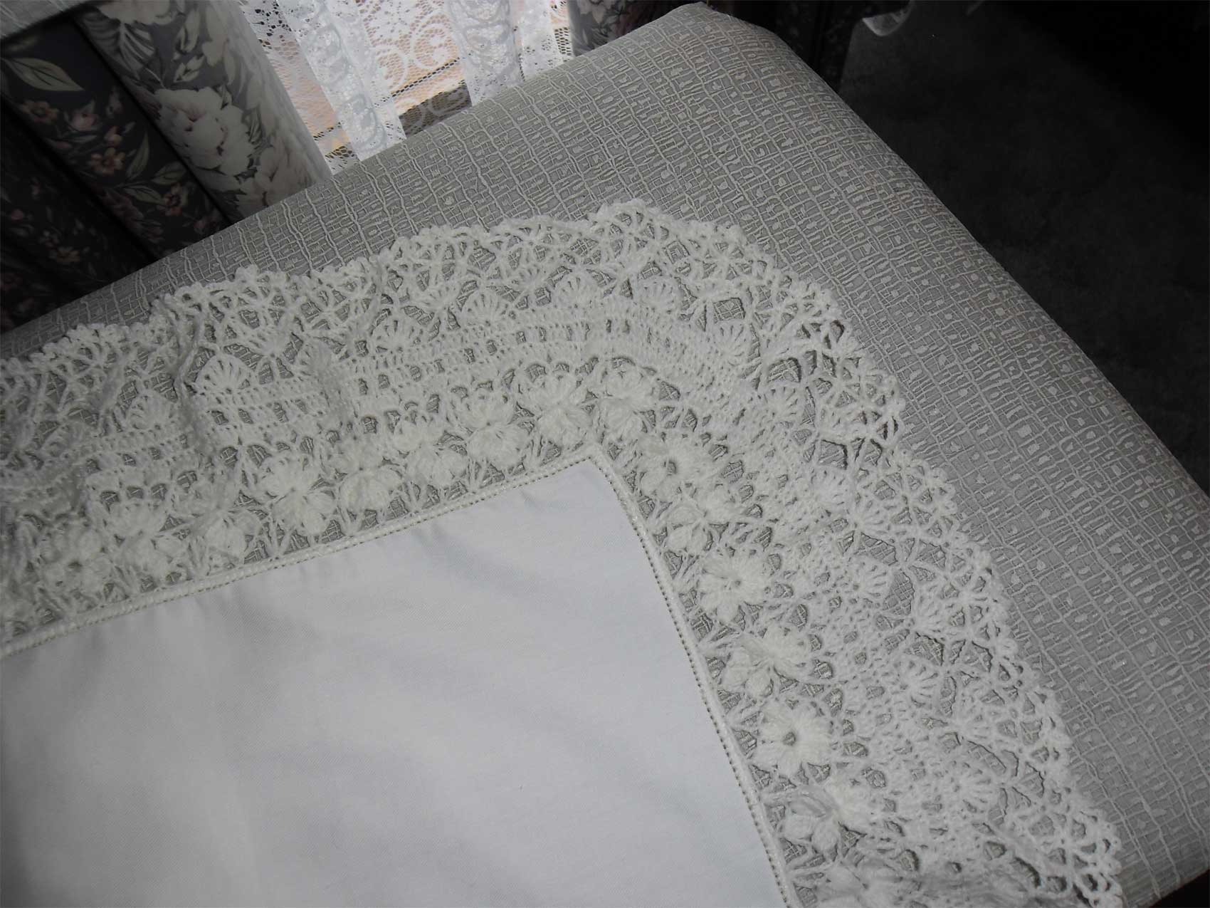 Edges for shawls and pillowcases