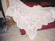 ½ frilled shawl. In pure wool and cotton and acrylic.