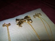 Gold or Silver chain brooches in silver/ gold